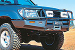 Передний бампер Toyota LC 100 Series с дугой Deluxe (live axle front to 10/02) INC SRS (ARB, 3213010)