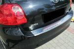 Накладка с загибом на задний бампер для Toyota Auris I (5D) 2007-2012 (Alu-Frost, 25-3494)