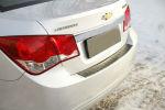 Накладка с загибом на задний бампер для Chevrolet Cruze (4D) 2008-2012 (Alu-Frost, 25-3619)