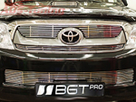 Накладка на решетку радиатора и бампера (гриль) Toyota Hilux 2011- (BGT-PRO, RESHRB-GRTOYHLX)