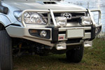 Передний бампер Toyota Fortuner 2005- Deluxe (ARB, 3421300)